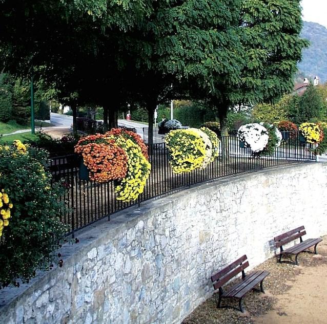 FLORAVIL, kvetinový mobiliár Praha 10, 1