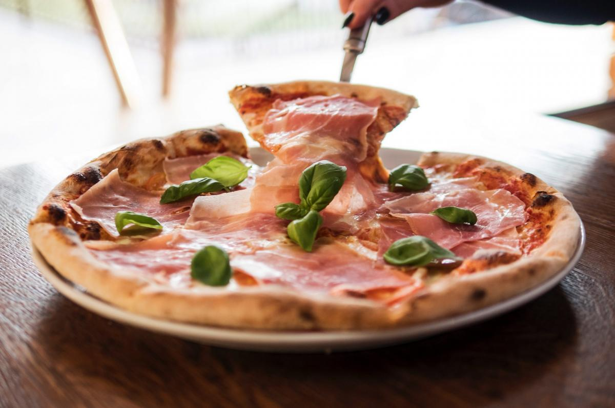 Pizzeria a kaviareň Oáza, 1