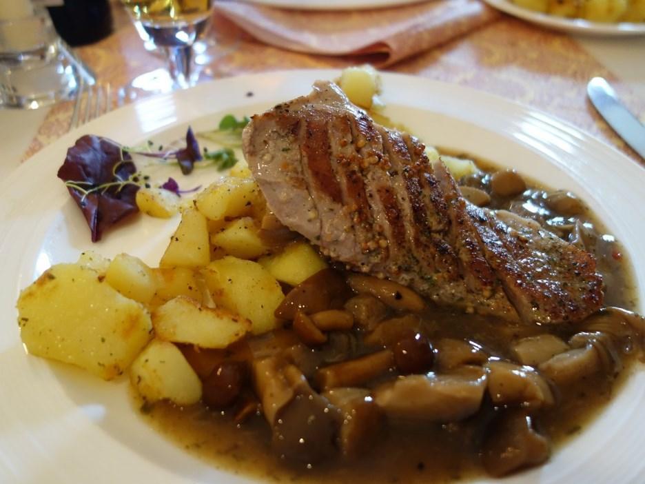 Le Griffon Cafe&Restaurant, 1