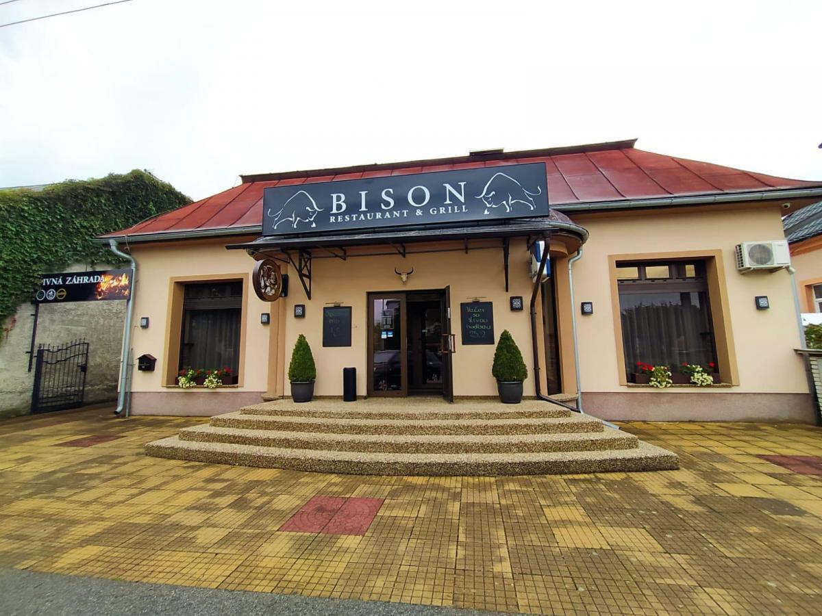 BISON Restaurant & Grill, 1