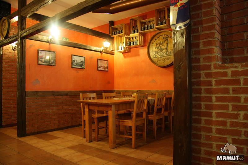 Mamut Pub - reštaurácia a piváreň, 1