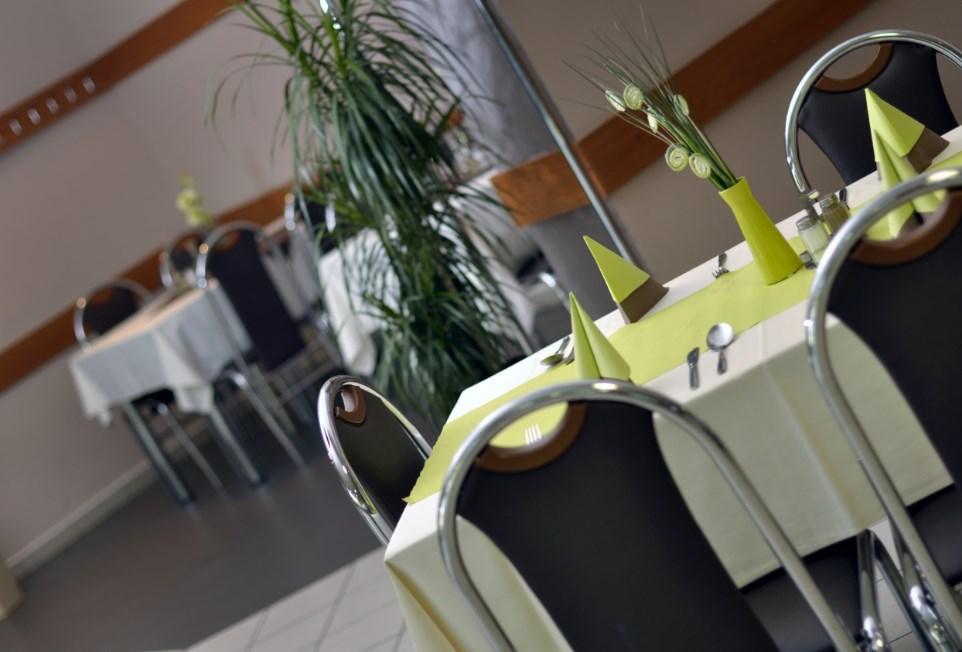 Reštaurácia Olympia Trnava Trnava, 1