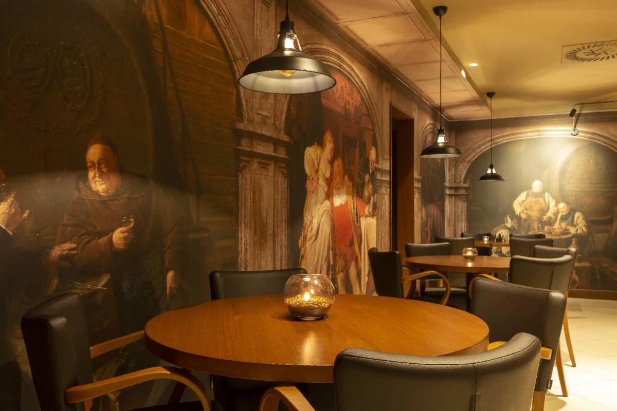 75 restaurant & beer Bratislava, 1