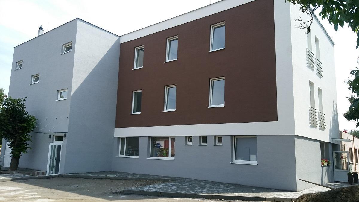 BAUHAUS s.r.o. Banská Bystrica, 1
