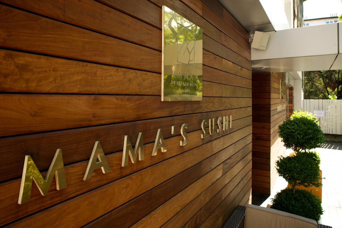 HOTEL MAMAS, 1