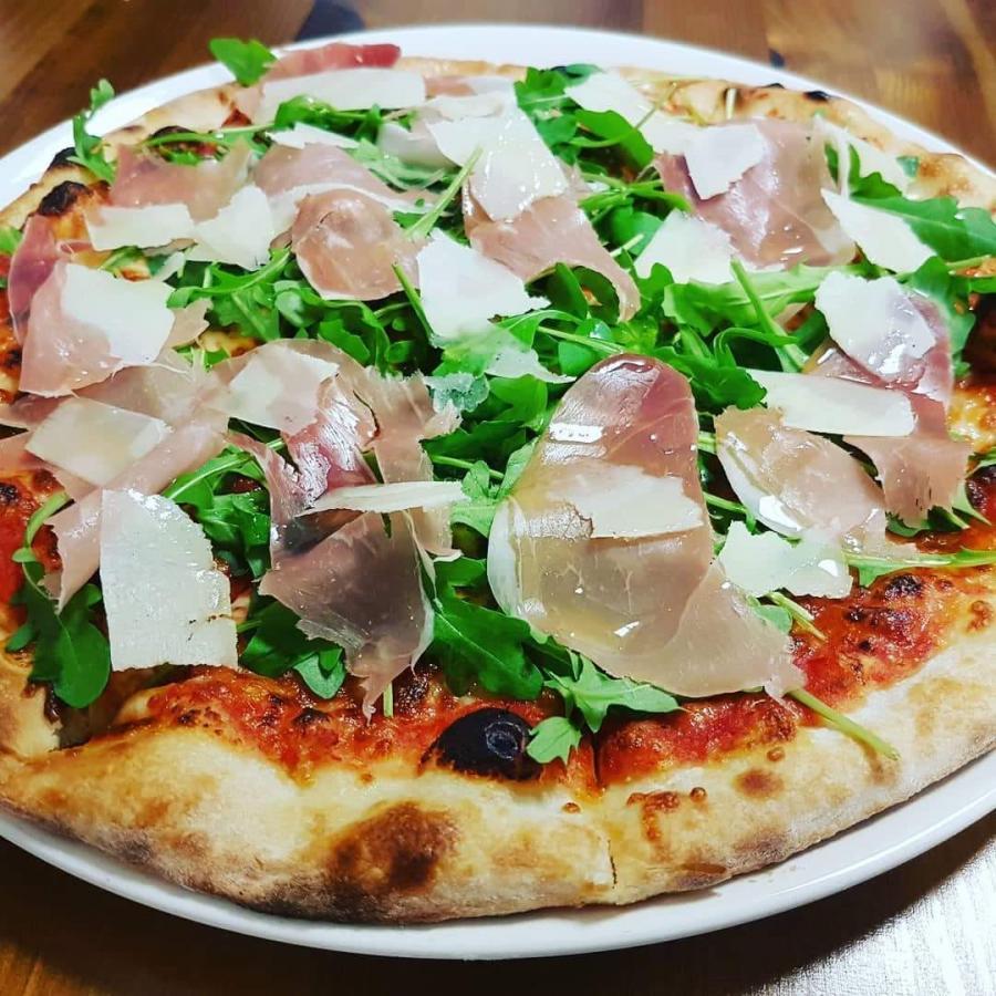 Johny Italian Bistro - pizza, rozvoz pizze, 1