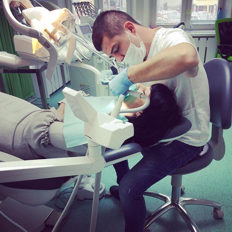 ImplantCenter, 1