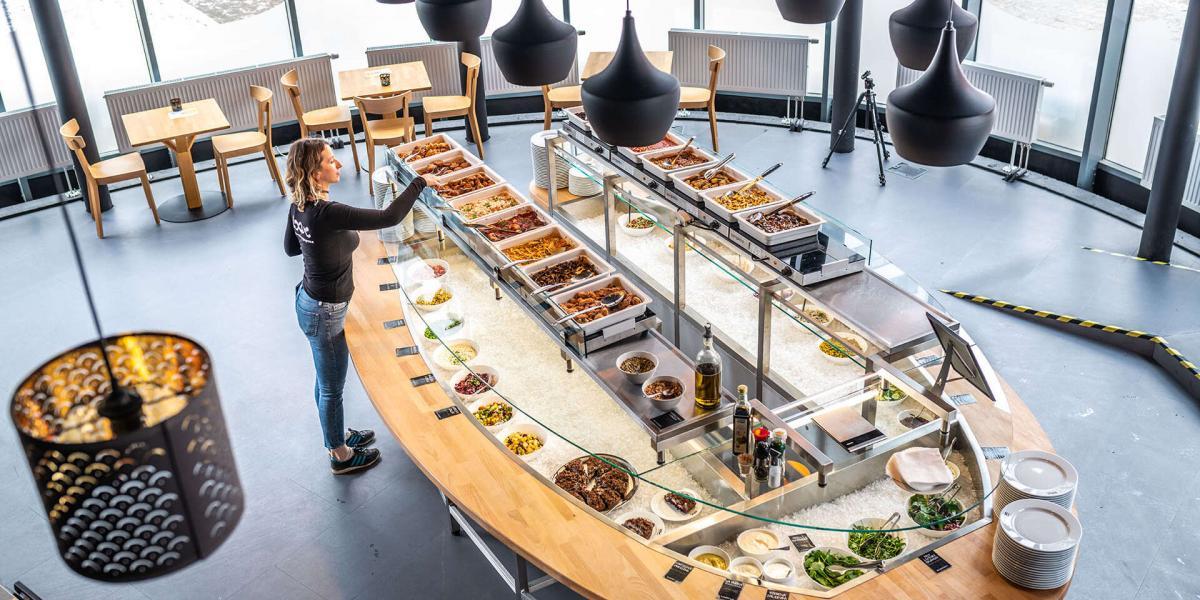 Loove restaurant, 1