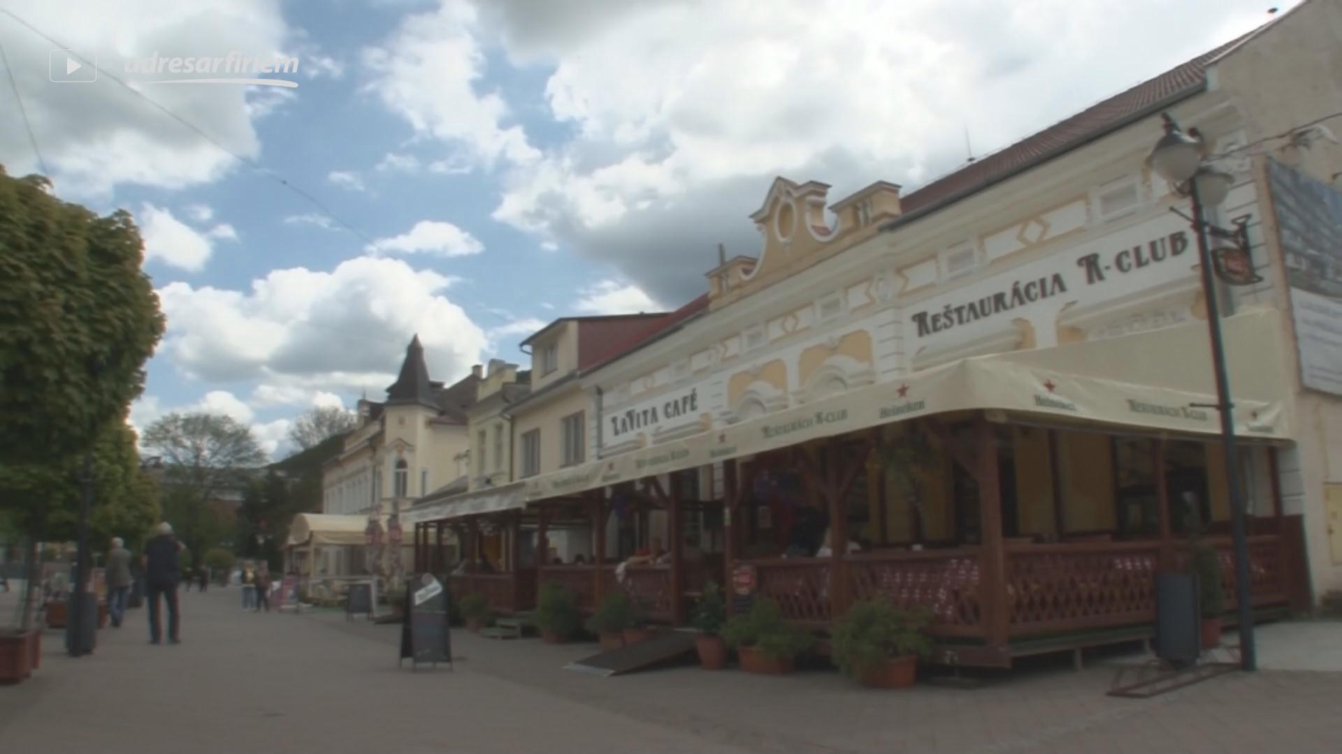 Video R Club reštaurácia Trenčianske Teplice