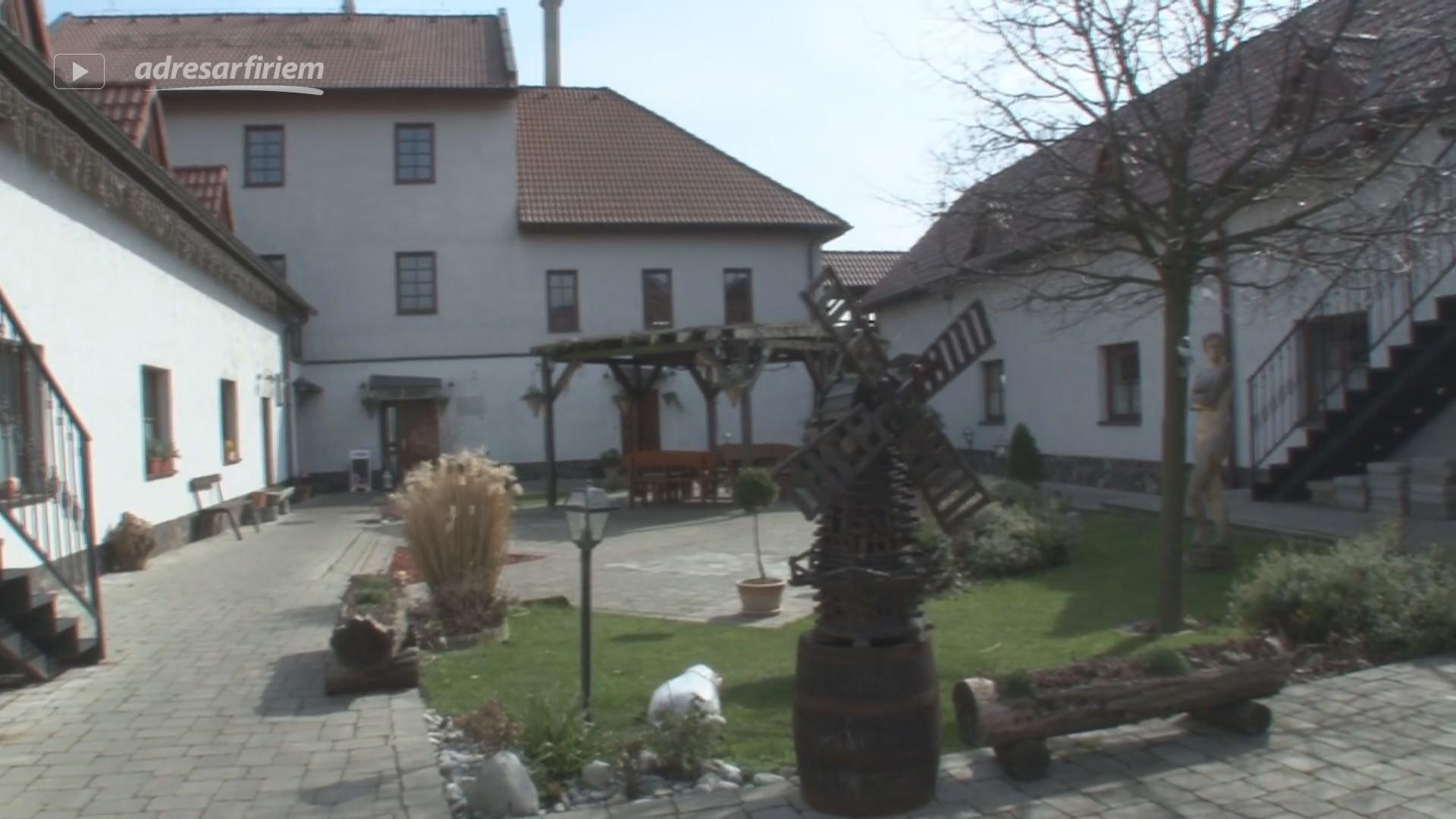 Video Reštaurácia a penzión NA MLYNE Hrnčiarovce nad Parnou