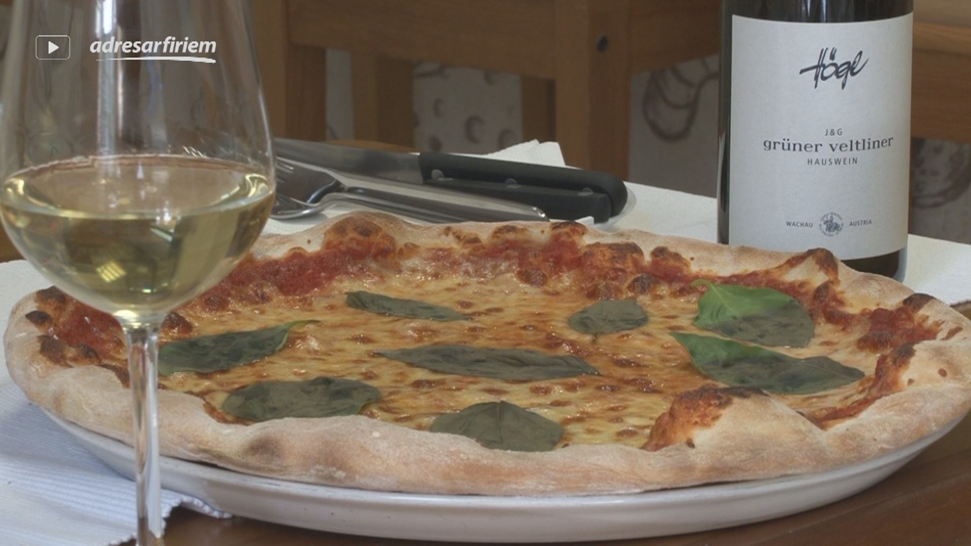 Video Johny Italian Bistro - pizza, rozvoz pizze Bratislava - Staré Mesto